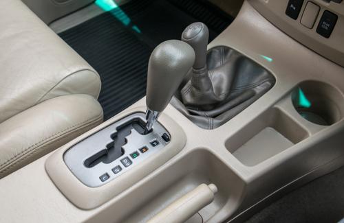 Kas būtu jāzin par automašīnām ar automātiskām pārnesumkārbām.