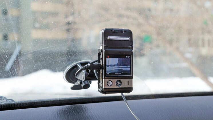 Auto videoreģistratori – kāpēc vērts tos pirkt, un kā izvēlēties vislabāko?