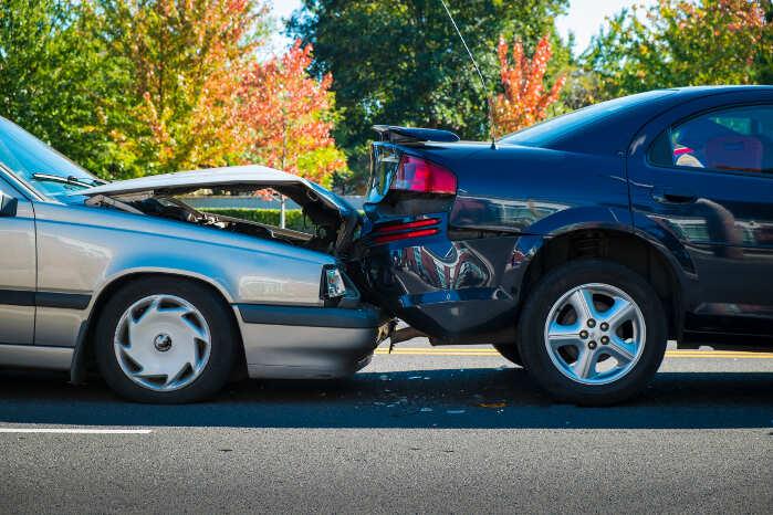 automašīnas pēc negadījuma