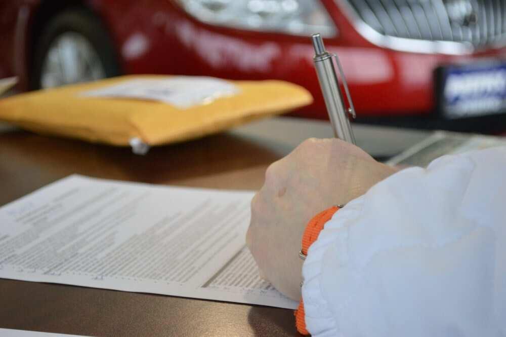 Automašīnas iegādes dokumenti