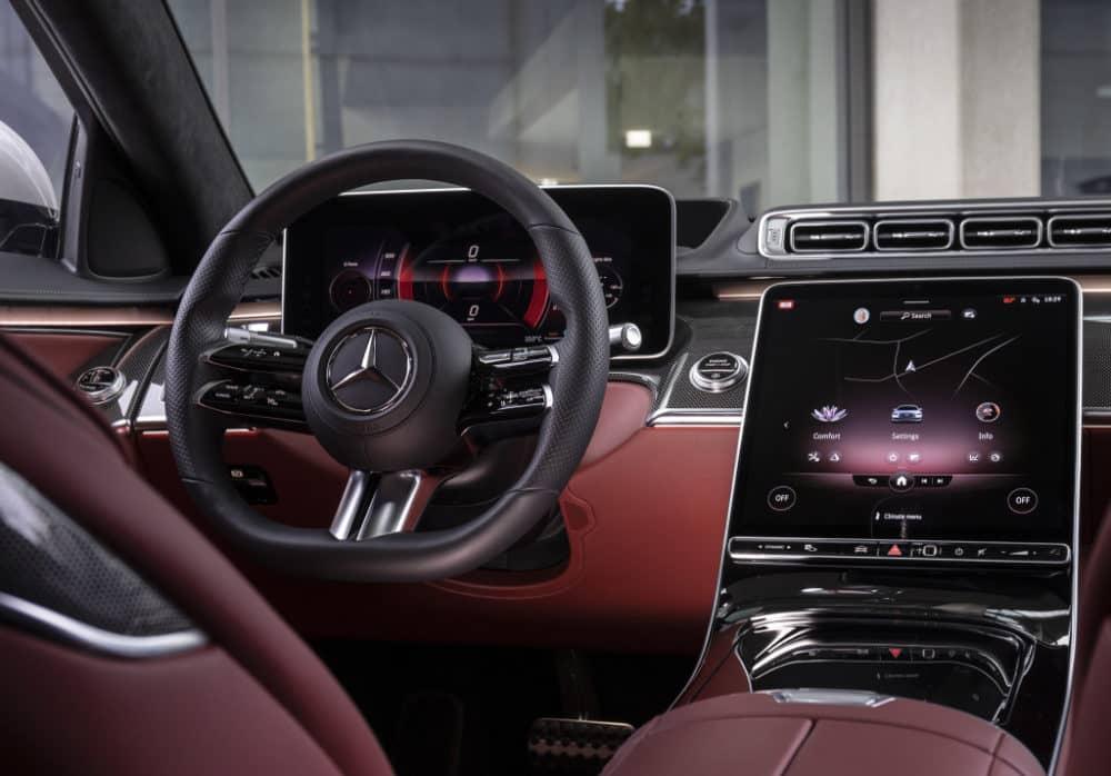 skārienjūtīgais ekrāns auto